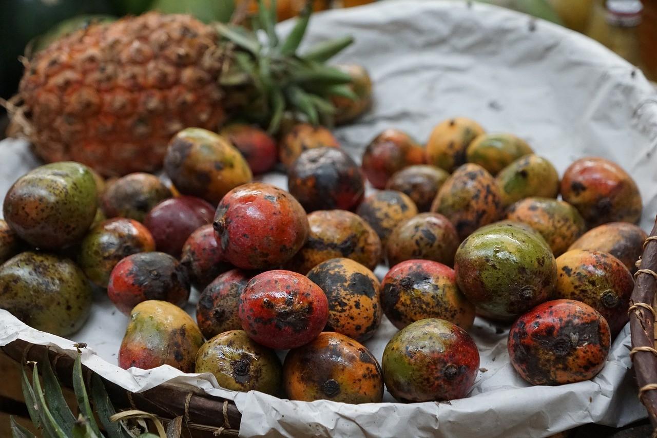 market, pineapple, fruit